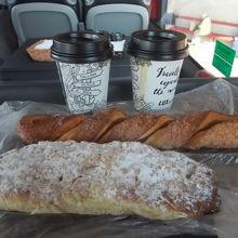 無料コーヒー。パンは持ち込み(^^)