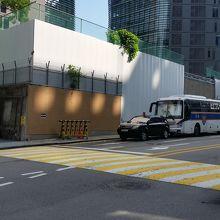 建築途中の日本大使館