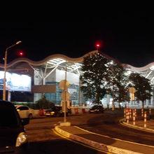 オデッサ国際空港 (ODS)