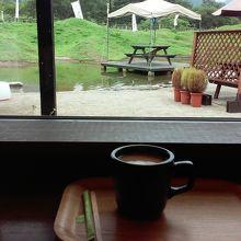 喫茶エリアではWifi が繋がります。