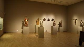 クンストパラスト美術館