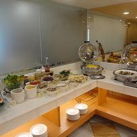 ローカルな食堂よりは日本人の口に合うと思います。