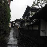 お寺や武家屋敷の建ち並ぶ城下町臼杵を代表する街並み