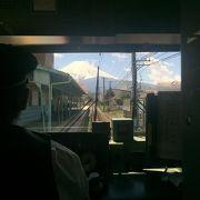 富士山が目の前に広がる電車