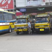 陸続きの国境が多いタイにおいて、国境周辺地域での交通は、バスが主役です。
