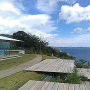 (ハーブ&ローズガーデン)COEDA HOUSEと海と空のガーデンテラスで有名