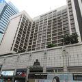 チャイナフェリーターミナルから歩けます。古いですが、落ち着けるホテル、下がそごう