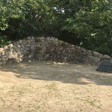 兵庫県の城跡巡り:有岡(伊丹)城跡、駅前の空間に