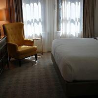 ベッドは豪華でした。テレビは日本語放送ありました。
