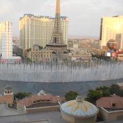 ベラジオホテルの噴水側の部屋から望む