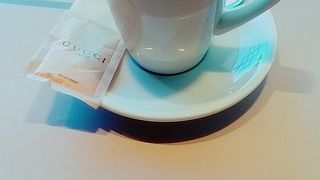 グッチ カフェ (ザ モール)