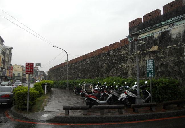 城壁が見られる