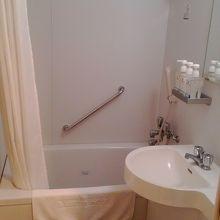 こちらも標準的。大浴場があるので使用せず。