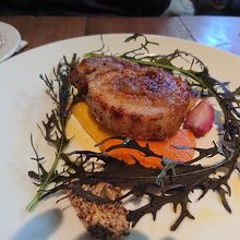ランチの肉料理