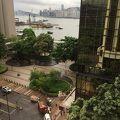 部屋からの眺めが良く、大きなホテル!