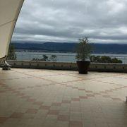 琵琶湖を見渡せるショッピングモール