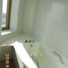 景色もよくゆったりできる浴室だったけど、大浴場の白浜温泉に魅