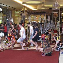 ムル族のバンブーダンスは必見!
