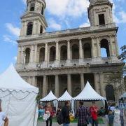 パリ屈指の教会です