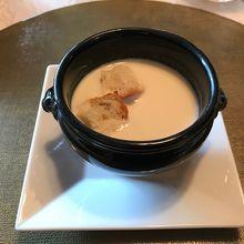 ブロッコリーのスープです。