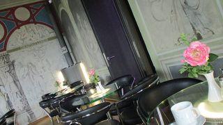 お城の中のカフェでお茶しました