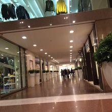 3e3166514685 ガッレリア カブール クチコミガイド【フォートラベル】 Galleria Cavour ...