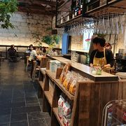 石造りのカフェレストラン