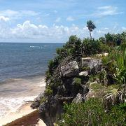 遺跡から海の景色が撮影できます。