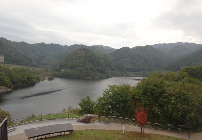 丹生川ダム (五味原湖)