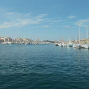 この旧港がマルセイユの魅力です。