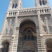 パニエ地区にある大聖堂です。