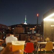 ソウルタワーを見ながら楽しむ韓国クラフトビール
