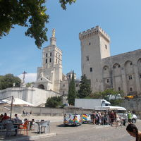 アヴィニョン歴史地区:法王庁宮殿、司教関連建造物群及びアヴィニョン橋