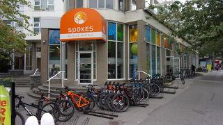 朝の8時から開いている自転車屋さん。スタンレーパークをサイクリングするならおススメのお店