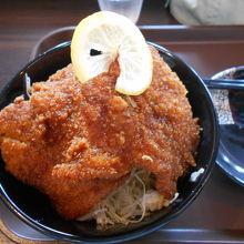 「あさの牧場」の「ソースカツ丼 530円」がお買い得