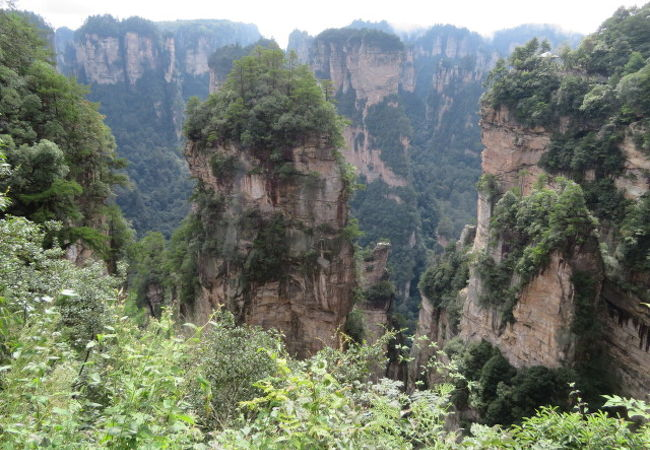 スケールの大きい奇岩群を見ました