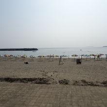 広いビーチです。