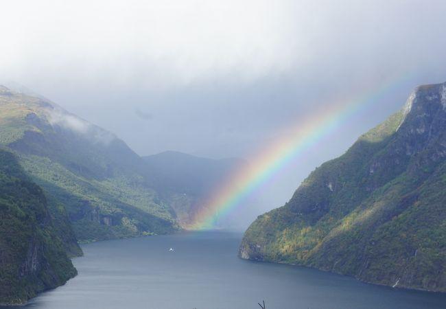 雨上がりの虹が素晴らしかった。