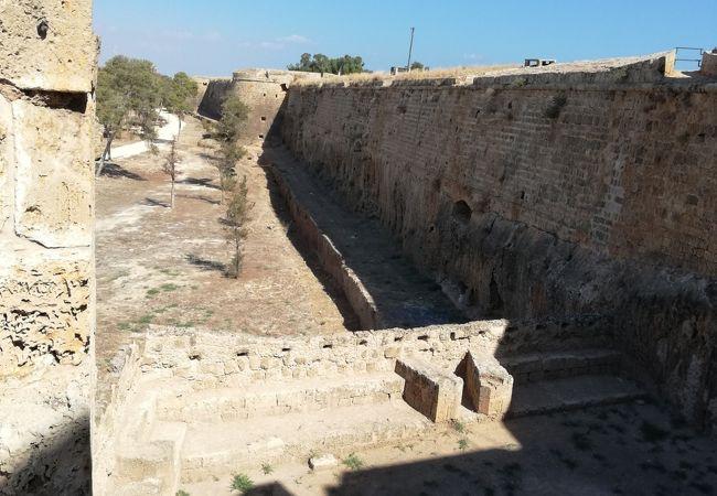 旧ヴェネチアン城壁 (ファマグスタ)