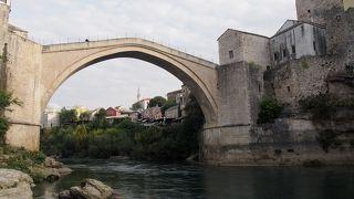 ボスニア紛争の象徴的な場所