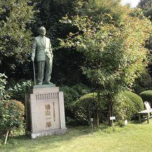 鳩山一郎像