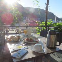 朝食はオープンテラスでモーゼル川を見ながらゆったり優雅に!!