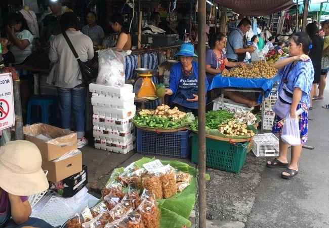 果実と花に市場です。