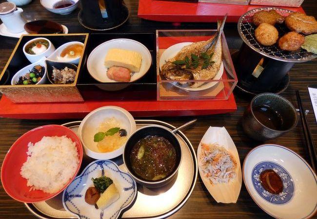 エクシブ湯河原離宮 日本料理 湯河原 華暦の朝食