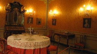 モチェニーゴ宮博物館