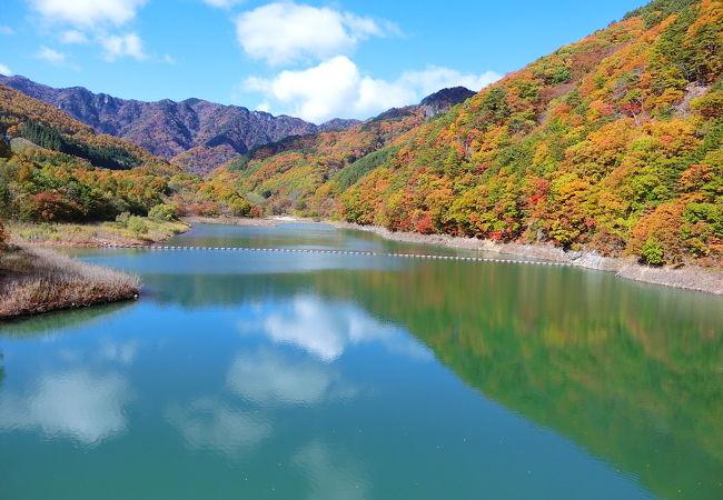 内村ダム(鹿鳴湖)