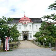大正天皇の即位を記念して創建された建物