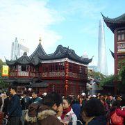 豫園商城のシンボル・湖心亭