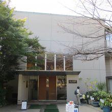 紙の博物館・外観
