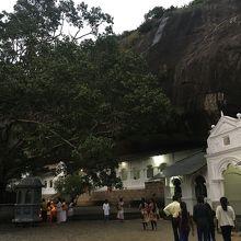 寺院敷地内